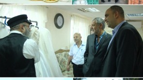 Welfare Minster Visits Yad b'Yad Bridal Salon