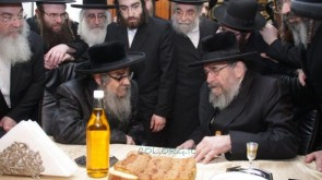 Thousands of Satmars naming kids Menachem Mendel