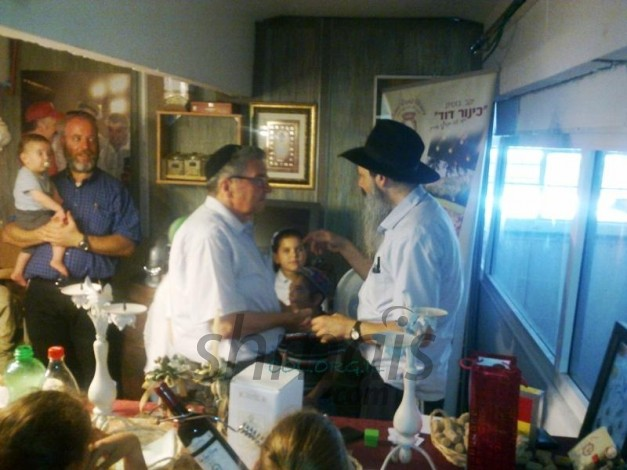 Chabad of Givat Mordechai Spends a Unity Shabbos in Hebron