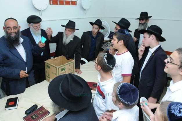All Aboard for Mivtza Maariv in Kfar Chabad