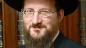 Chief Rabbi Berel Lazar resigns!