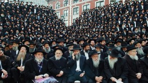 Rabbi Efrem Goldberg: Has Chabad Quietly Revolutionized the Role of Rebbetzin?