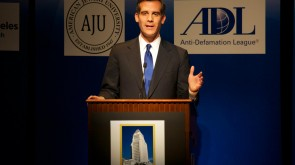 Los Angeles, CA: Eric Garcetti Becomes First Jewish Mayor