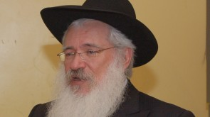 VIDEO OF THE DAY: Melava Malka with Rabbi Manis Friedman