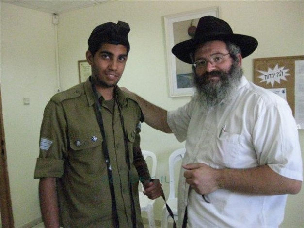 Raising the Morale of the Soldiers in Kiryat Gat