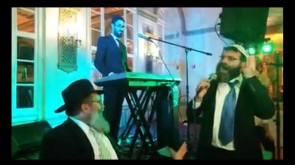 VIDEO OF DAY: Chazzan Shneiny Kaplan sings @ Hecht-Greenberg wedding